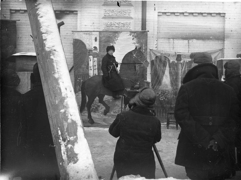 Фотограф- пушкарь на улице Ленина 1920-е