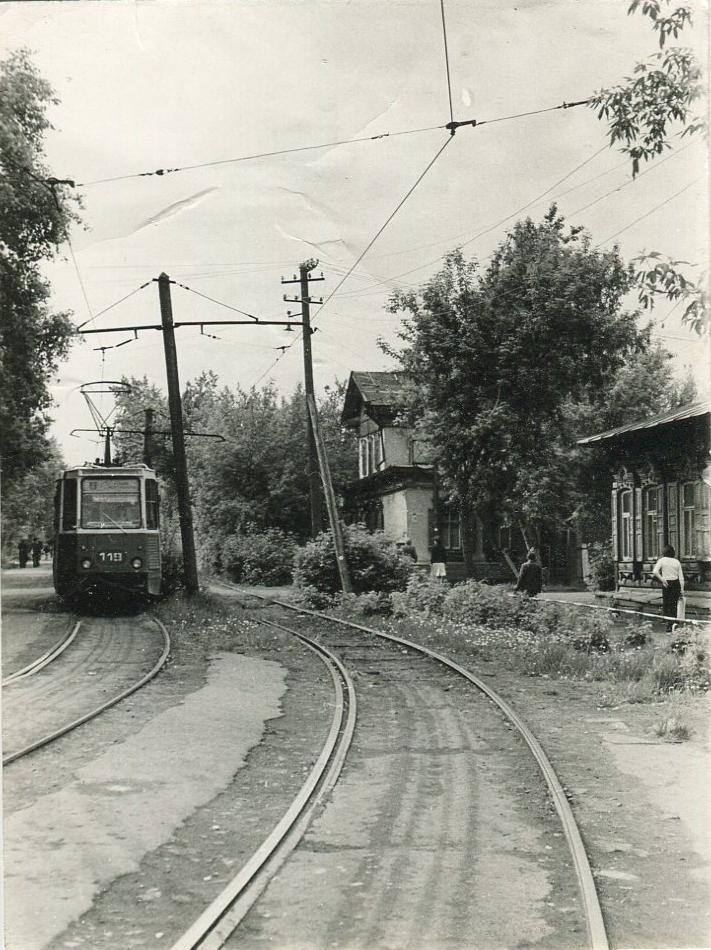 Омск, старая застройка ул. Жукова и Почтовая, трамвай. 1988 г.