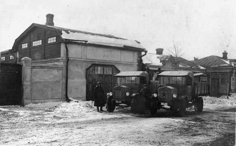 176 Автотранспорт Союза. Гараж, построенный в 1927 г.