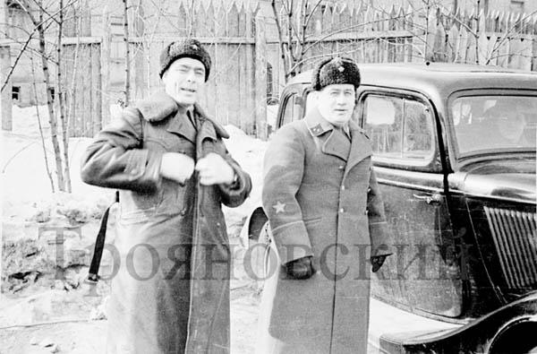 Брежнев, Мамонов, 1942г.