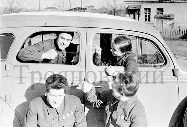 л.Брежнев, 1942 г., фото М.Трояновского