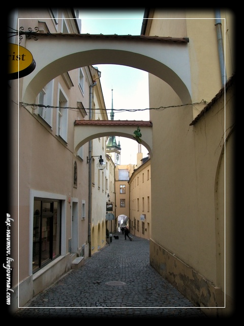 http://pics.livejournal.com/alex_naumov/pic/000tyxez.jpg