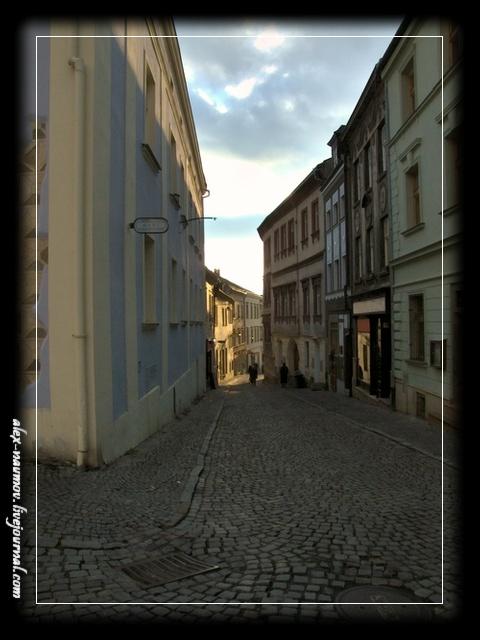 http://pics.livejournal.com/alex_naumov/pic/000tzcwq.jpg