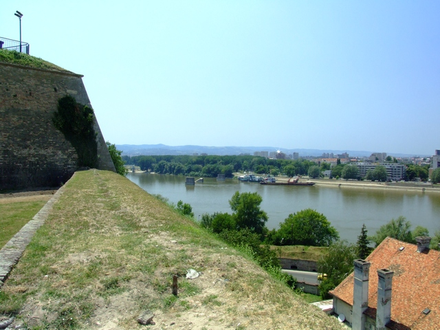 http://pics.livejournal.com/alex_naumov/pic/0008x9sx.jpg