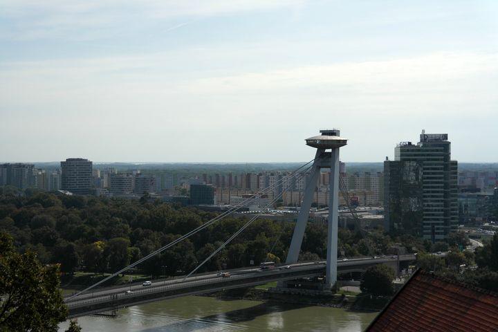 130927_14bratislava_bridge