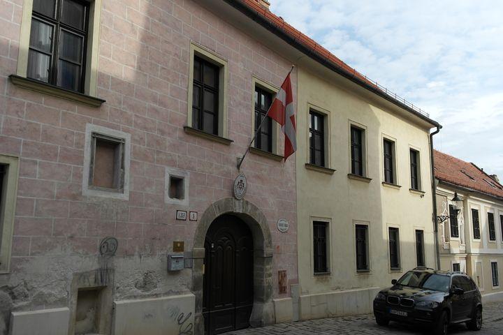 130927_20bratislava_embassy
