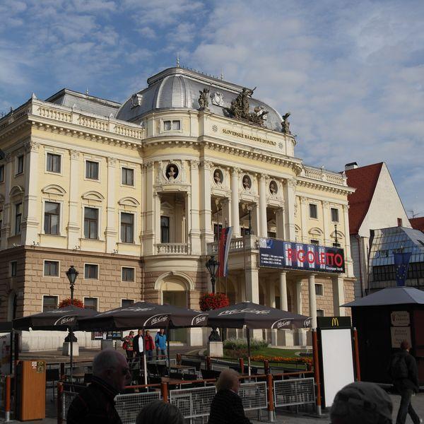 130927_00bratislava_divadlo