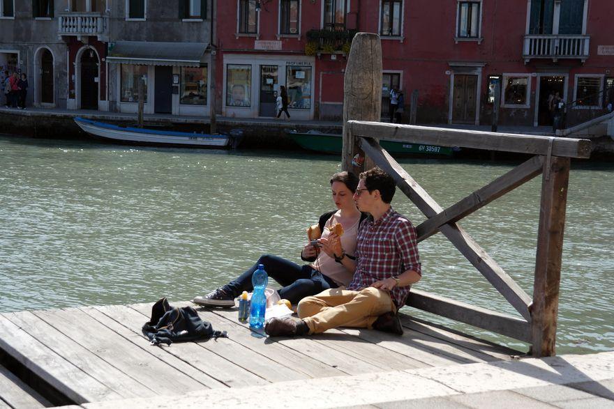 Мурано. Обед на берегу канала