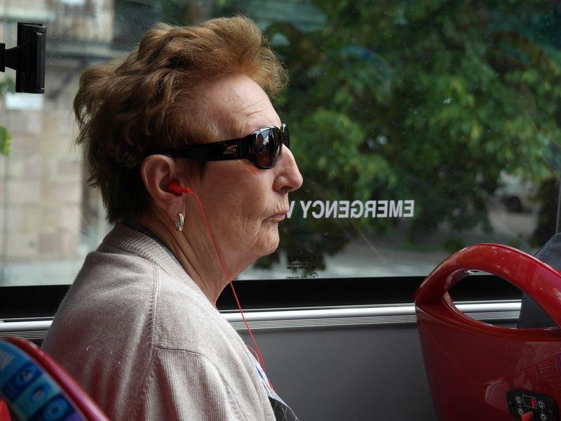 Стокгольм. Бабка - чистый Миттеран!