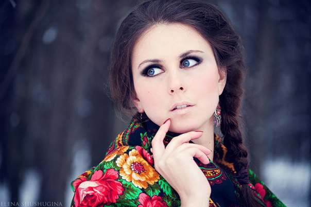 Фото девушек русских в платках и не только