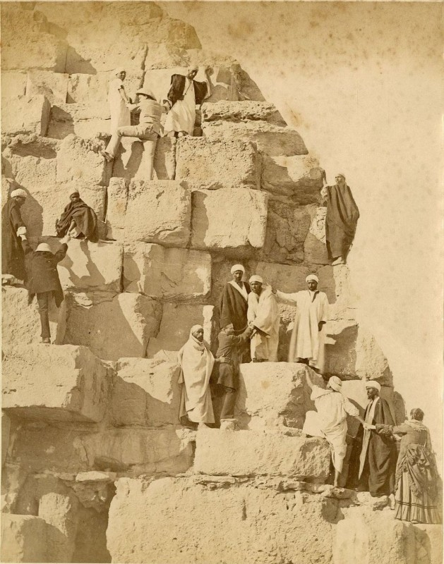 пирамиду ложили на раствор 1880