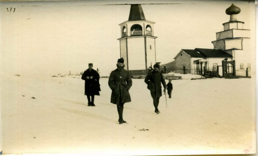 1918-1919. Французы у церкви Рождества Иоанна Предтечи
