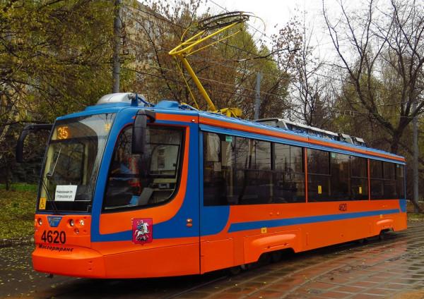 трамвай УКВЗ модель 71-623 в Мск_фото из инета_