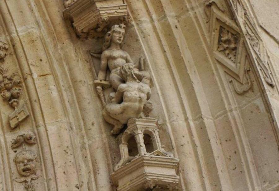 Церковь Св. Мартина в городке Л'иль-Адам и некотрые детали.