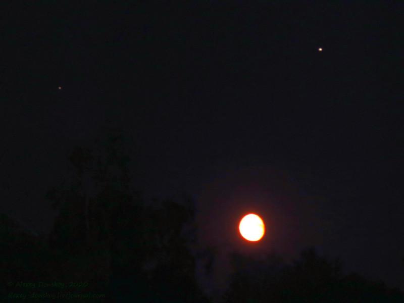 2020.06.09 0:13 Луна, Юпитер, Сатурн (Canon EOS 6d, iso 3200, 15/4 @ 105mm)