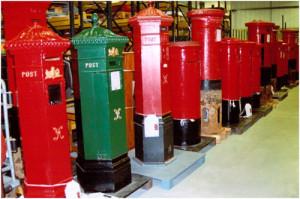 0556-pillarboxes