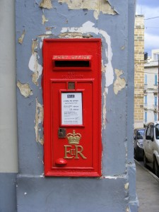 EIIR_wall_post_box,_Senglea,_Malta._-_Flickr_-_sludgegulper