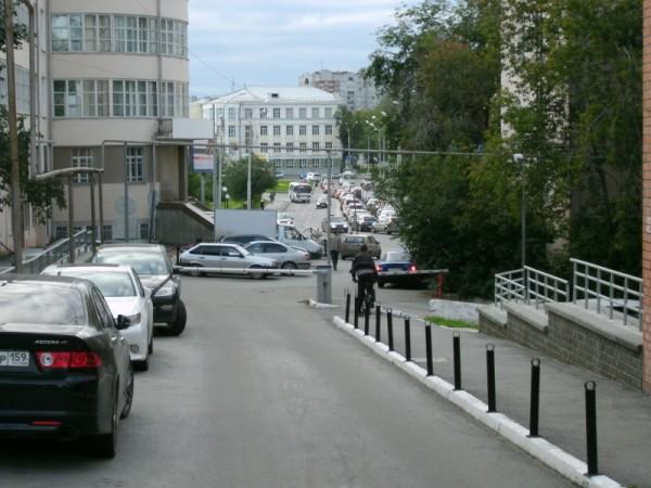 14-1_Двор на ул.Малышева 4б