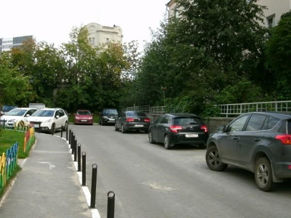 14-2_Двор на ул.Малышева 4б