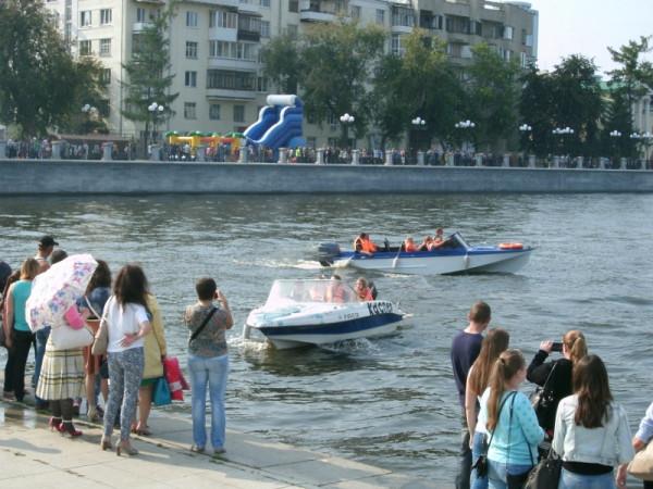 21-1_На городском пруду яхты