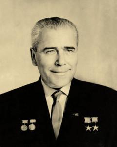 persona-photo-line09-4-yangel-1911-1971