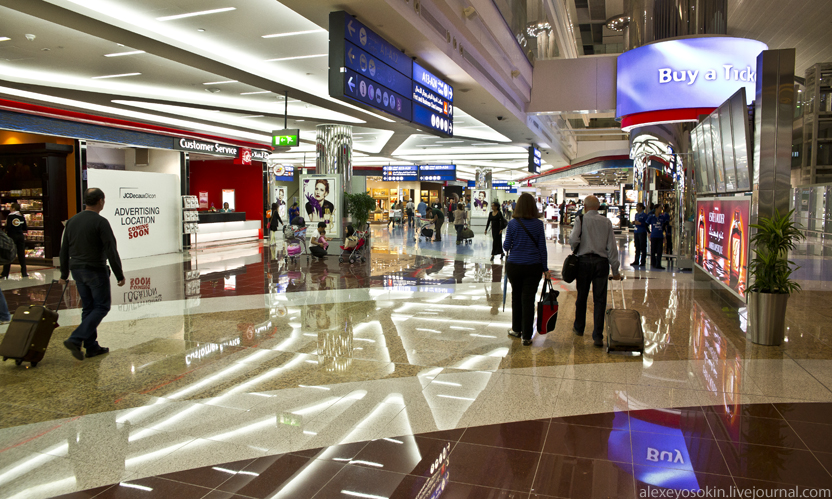 dibai_airport_hall2_832