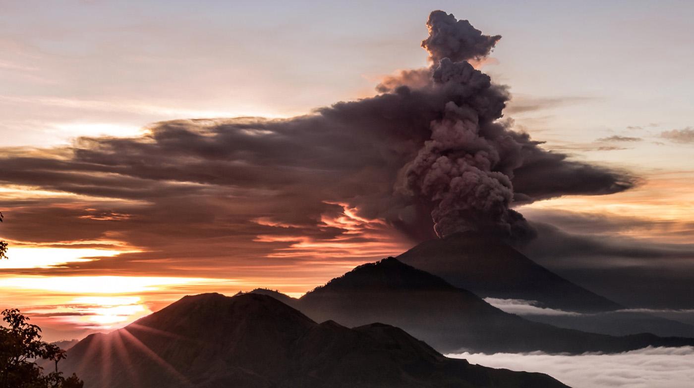 Извержение вулкана на Бали. Агунг. Каким он был и какой он сейчас.