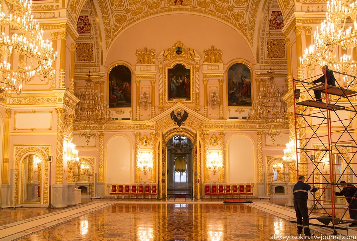 Зале большого кремлевского дворца