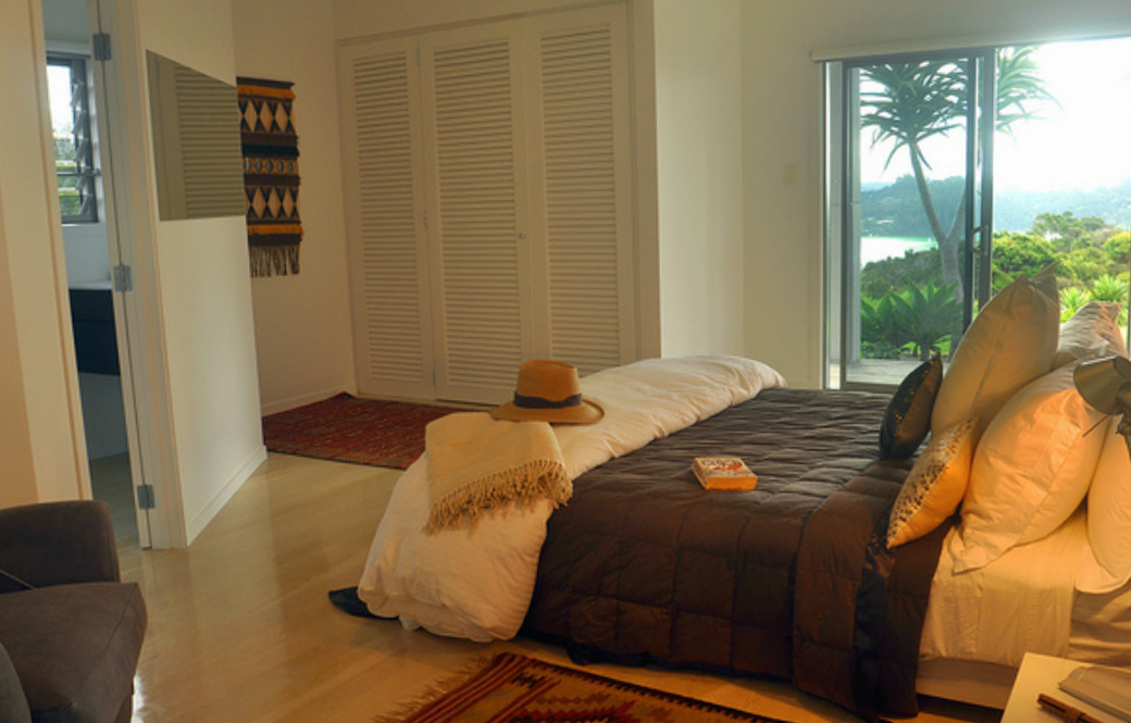 tiki_bedroom_3_lj