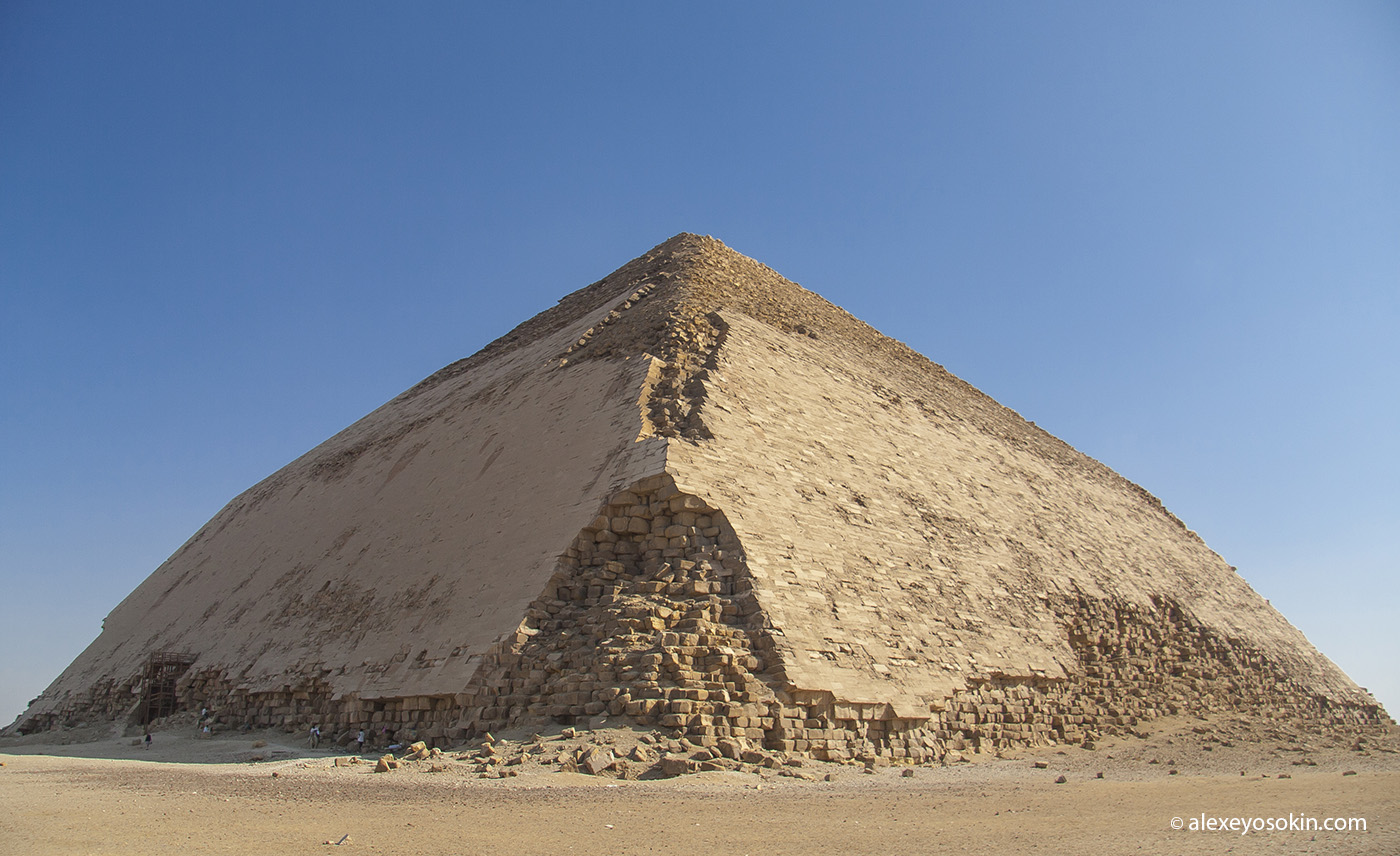 Ученые впервые просканировали египетскую пирамиду используя космические лучи