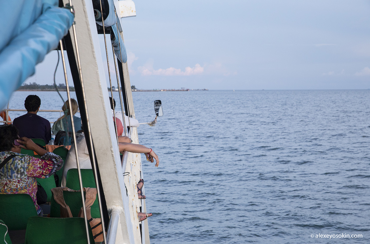 thai_ferry_3_ao