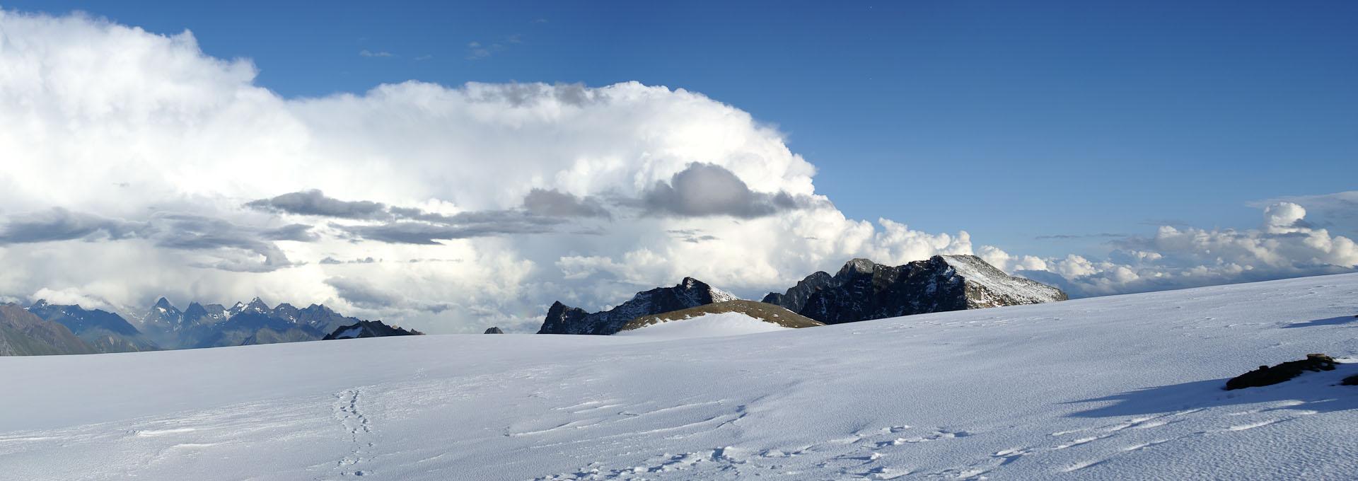 Ледниковое плат на Вершине в Альпах