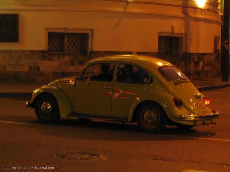 Яркие тачки на улицах города. Часть 2: спортивные и ретро автомобили