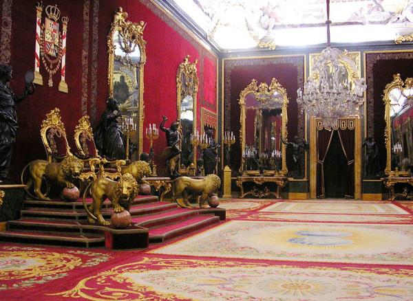 Королевский-дворец-в-Мадриде-фото-внутри