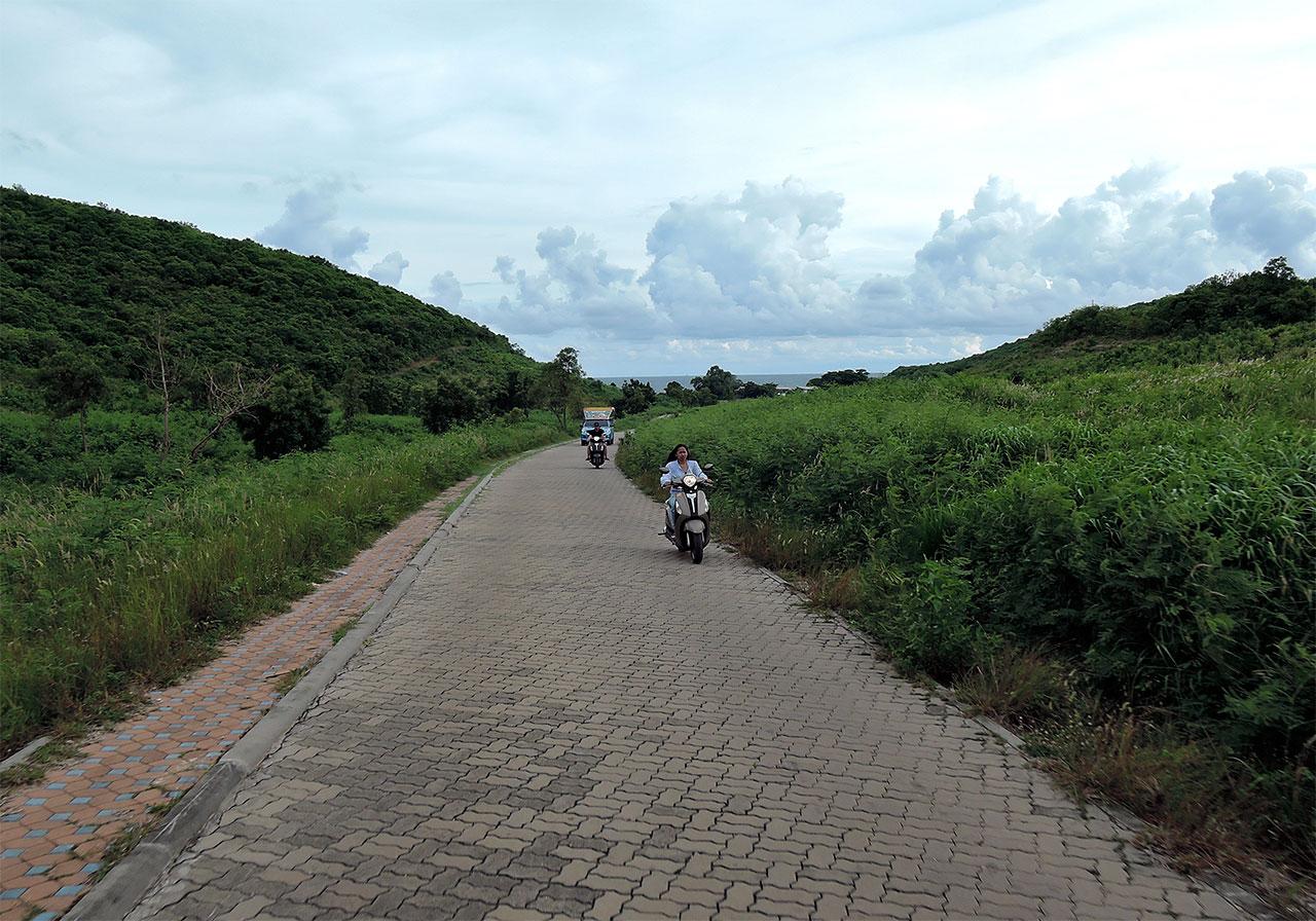 Дороги Ко Лана