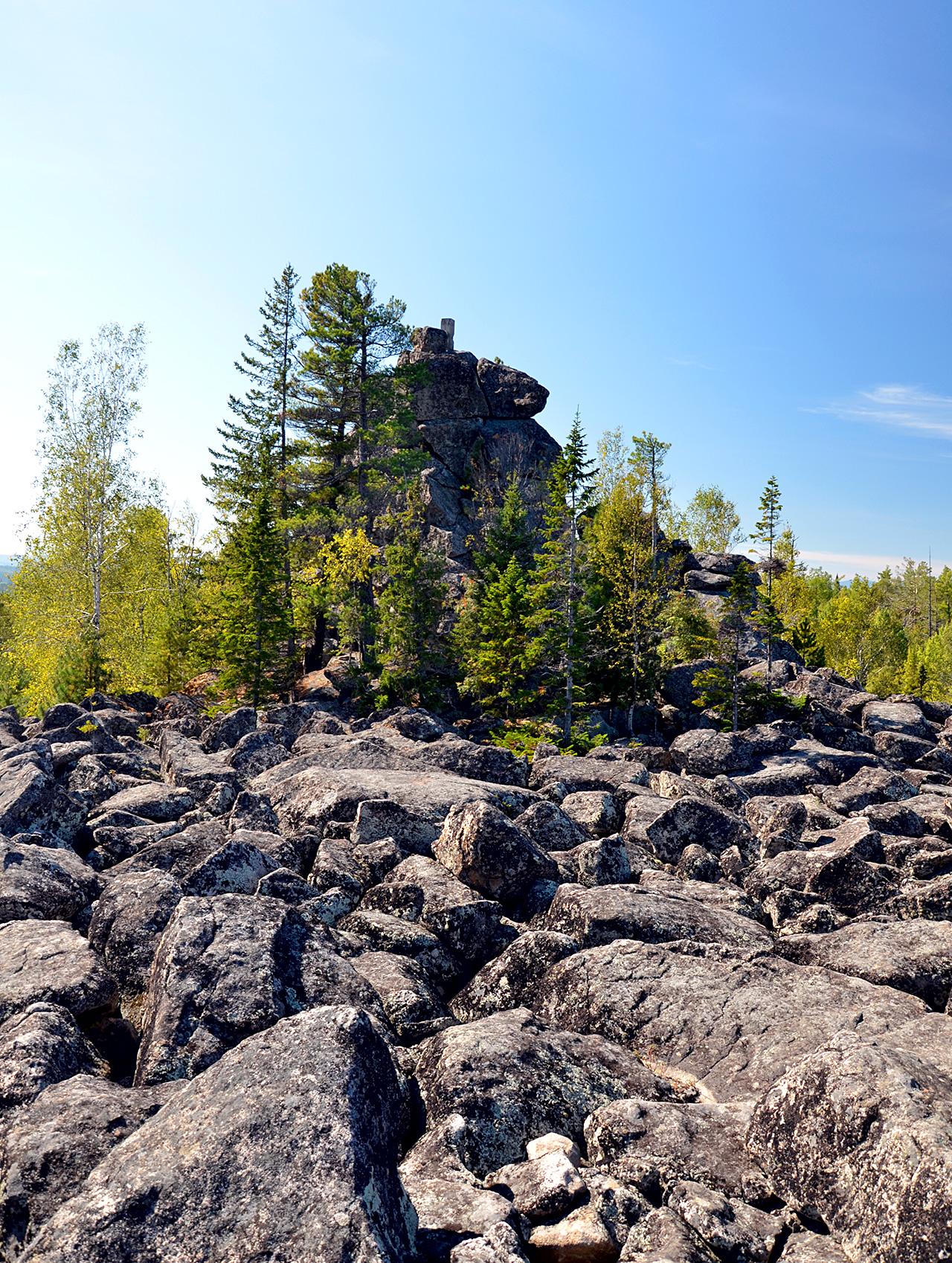 На скальнике Камень Шахтай