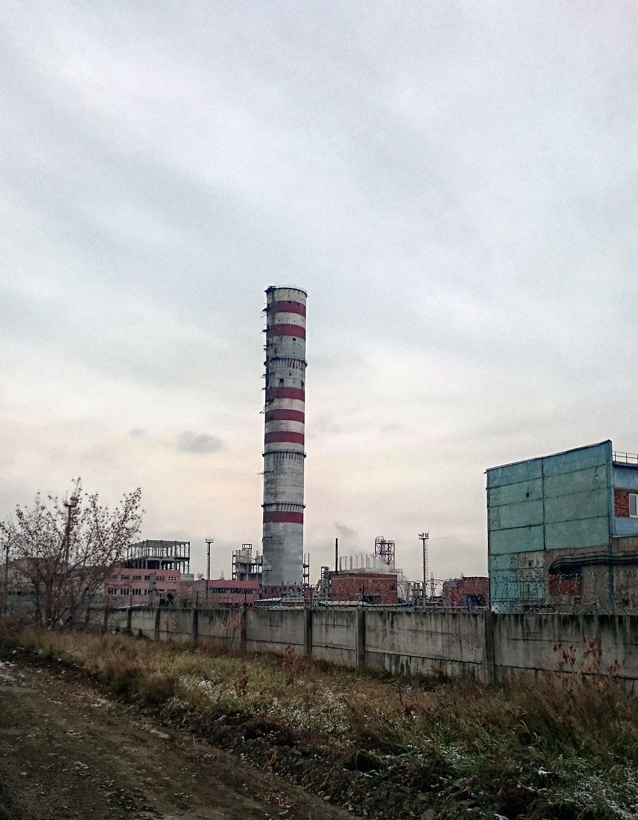 Бывшая установка по производству карбамида АЗАУ