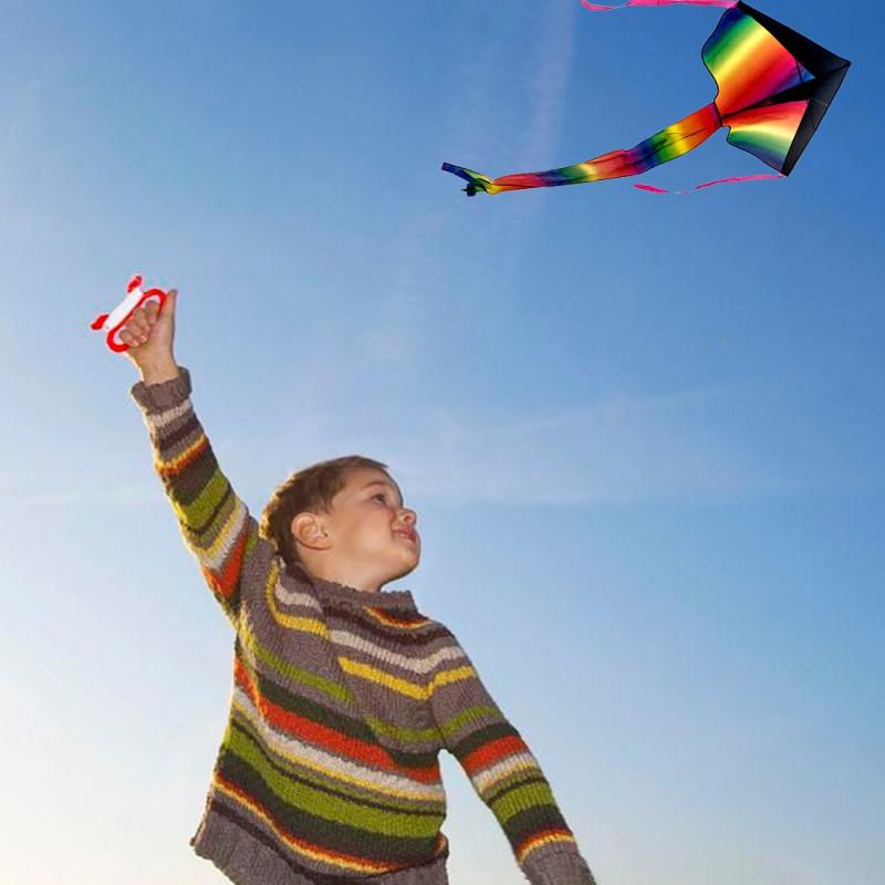 Фото мальчика и воздушного змея взято из интернета.