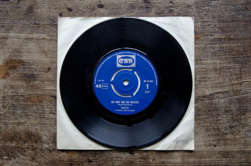 record-1141918_960_720