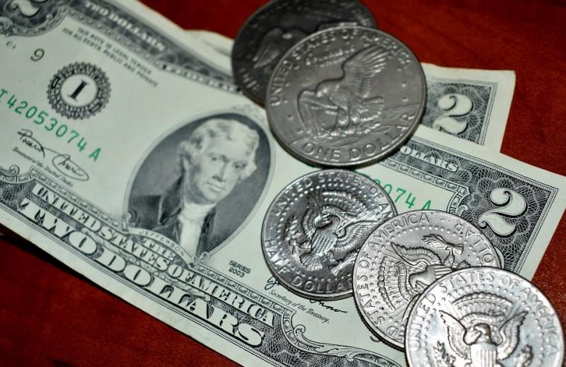 Российские банки ждут обвала ... доллара
