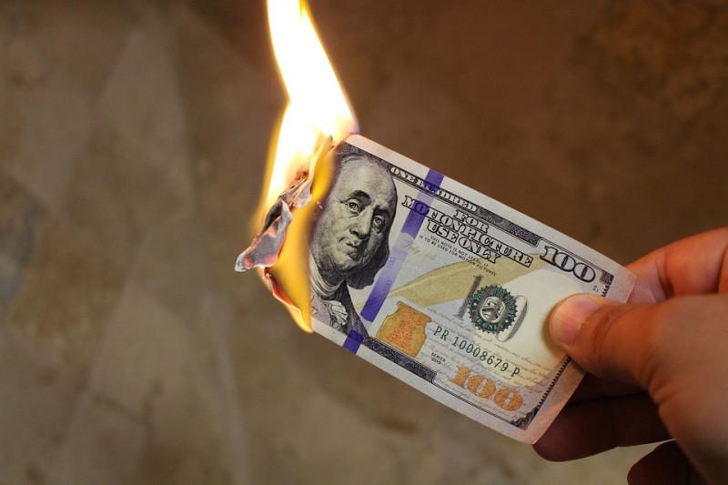 Добровольная сдача. Или почему россияне будут вынуждены избавляться от валюты