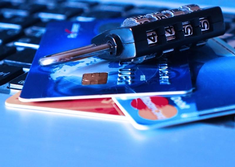 Как мошенники используют новый закон о блокировке банковских карт в свою пользу