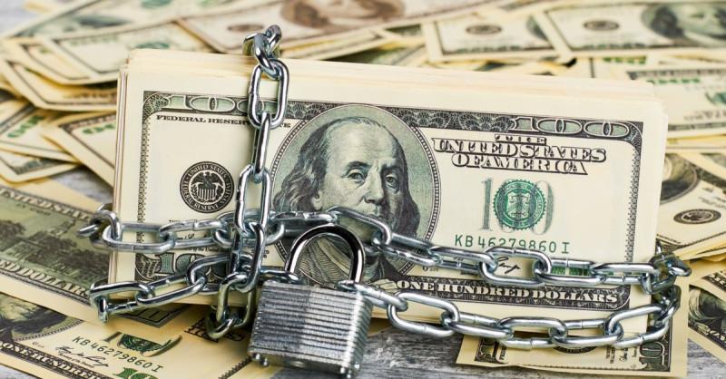 Запрет на обмен валюты. Первая ласточка