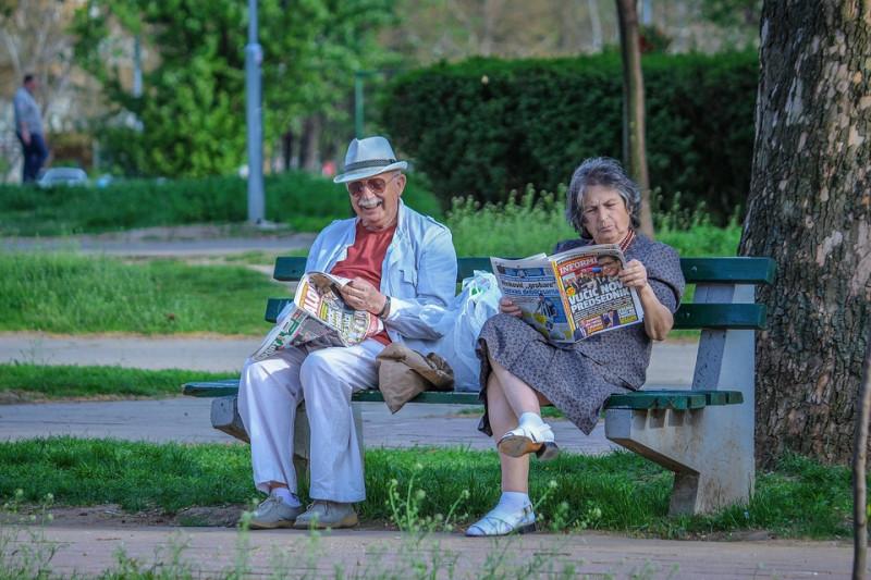 grandparents-2807673_960_720