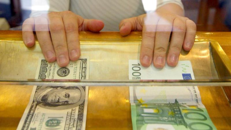 Монополия на валюту. Покупать иностранные деньги становится все сложнее