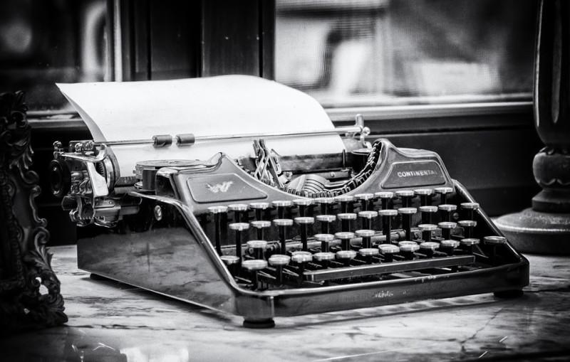 typewriter-3711589_960_720