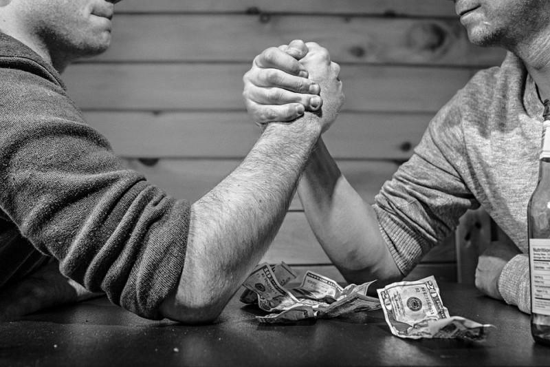 Как коллеги блогеры за гонорары борятся