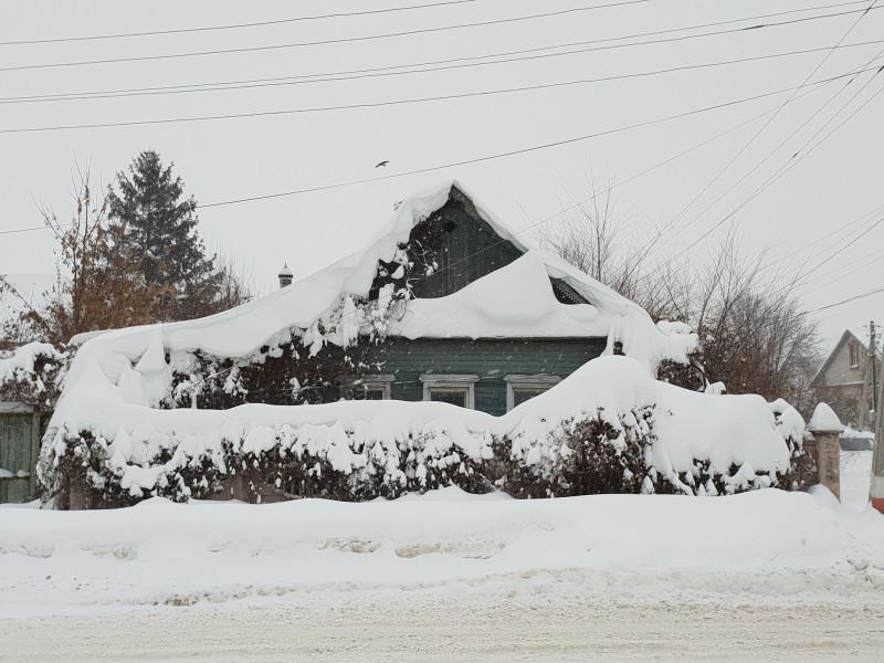 Испытание непогодой. Где лучше пережить зиму в своем доме или квартире