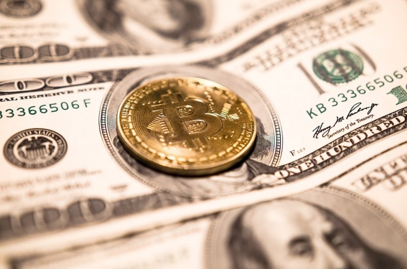 bitcoin-3890348_960_720