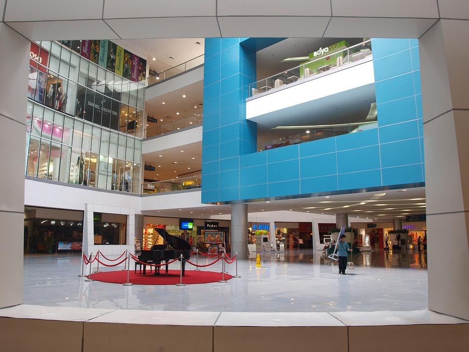 mall-591338_960_720